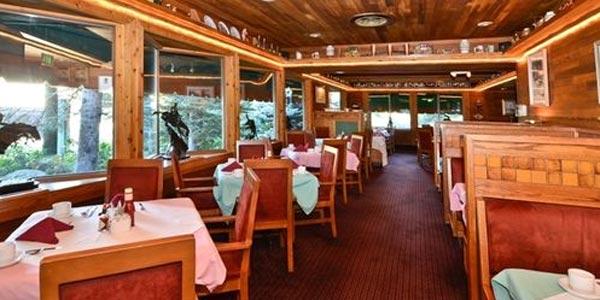 restaurant at the Best Western Station House Inn