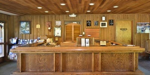 lobby at the Best Western Station House Inn