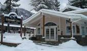 Blue Lake Inn Hotel Front Entrance