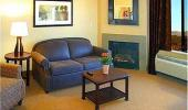 Hampton Inn and Suites Tahoe Truckee Guest Living Room