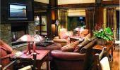 Hampton Inn and Suites Tahoe Truckee Fireplace