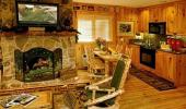 Red Wolf Lakeside Lodge Hotel Room with Fireplace