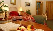 Shooting Star Bed and Breakfast Hotel Guest Dining Table