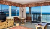Tahoe Lakeshore Lodge and Spa Hotel Lakeview Living Room