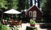 Tahoma Meadows Bed and Breakfast Cottages Hotel Patio
