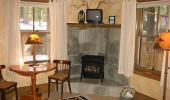 Tahoma Meadows Bed and Breakfast Cottages Hotel Guest Living Room with Fireplace